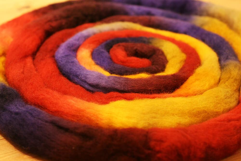 羊毛手染め